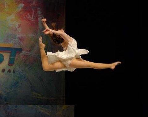 http://danceathda.files.wordpress.com/2012/02/jump.jpg